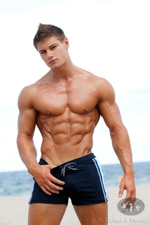Bodybuilding Male Model Rodney Crewman (4)