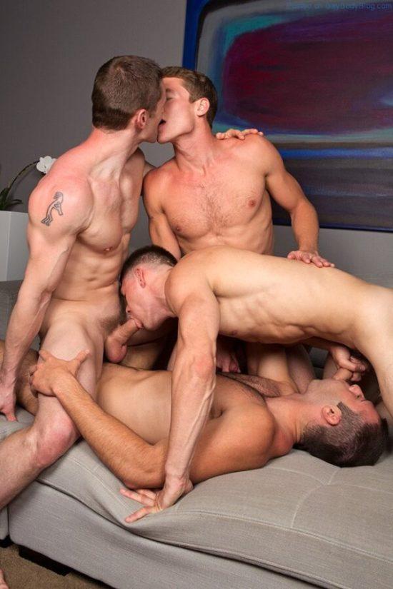 Gay Porn - Bareback Jock Orgy (1)