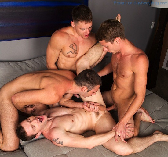 Gay Porn - Bareback Jock Orgy (6)