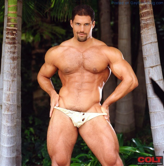 Muscle Man Franco Corelli Naked (2)