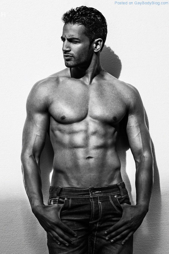 Bollywood Muscle Hunk Upen Patel (3)