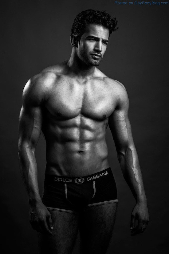Bollywood Muscle Hunk Upen Patel (6)