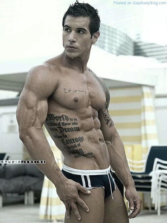 Ripped Muscle Hunk Alan Valdez (3)