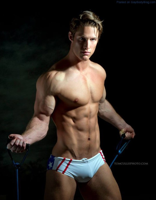 Darrell Thomas By Tom Cullis (7)