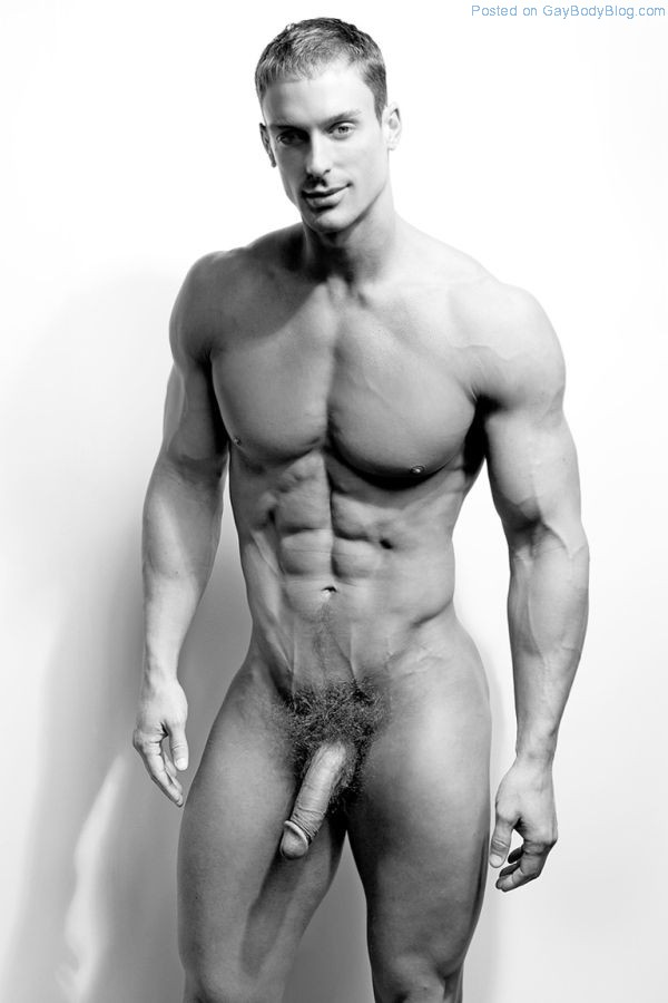 nude-modeling-guy
