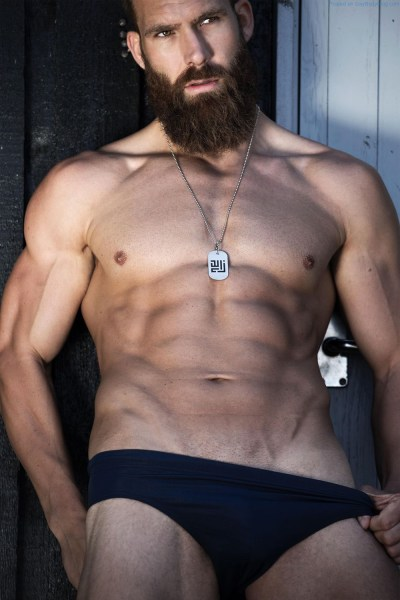 Bearded Hunk Simon Skou Is Too Distracting To Be A Personal Trainer 3