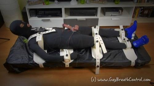 Zentai EmoBCSMSlave ESTIMed and tied up in Segufix