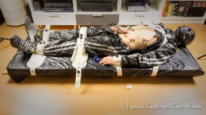 EmoBCSMSlave tied up in Segufix