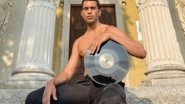 Mahmood: «Il Pride è un modo per ritrovarsi, per unirsi, mi rende molto felice»