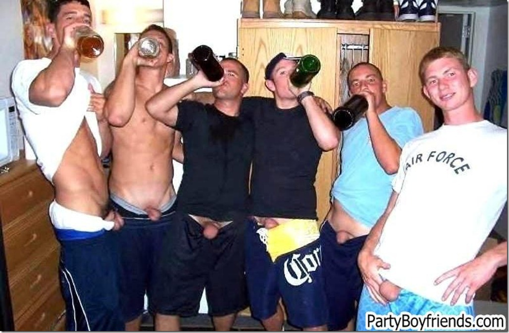 horny dudes at the party - party boyfriends 2