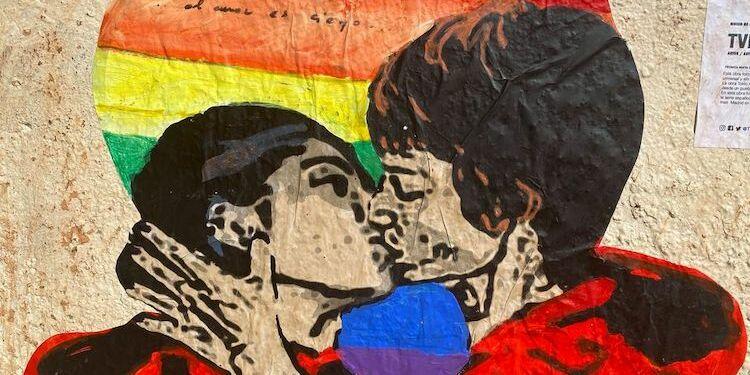 Hai mai pensato ai murales come ad un elemento d'arte e di design per. A Madrid Tvboy Rende Omaggio A La Casa Di Carta Con Il Bacio Tra Tokyo E Nairobi Gaynews