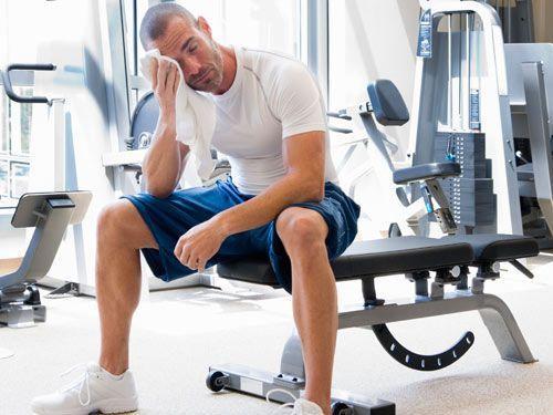 hombre_gym_cansado