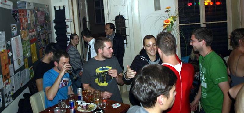 Qcafé gay bar Prague