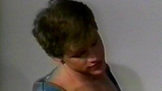 Porno vintage d'un beau mec musclé