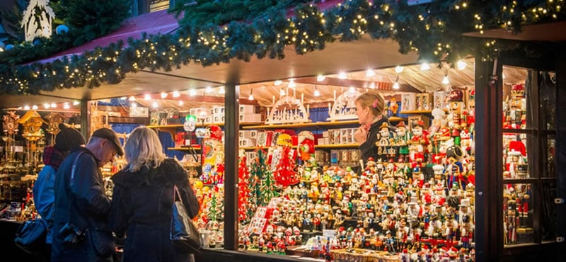 Edinburgh Christmas Markets Traditional And Romantic