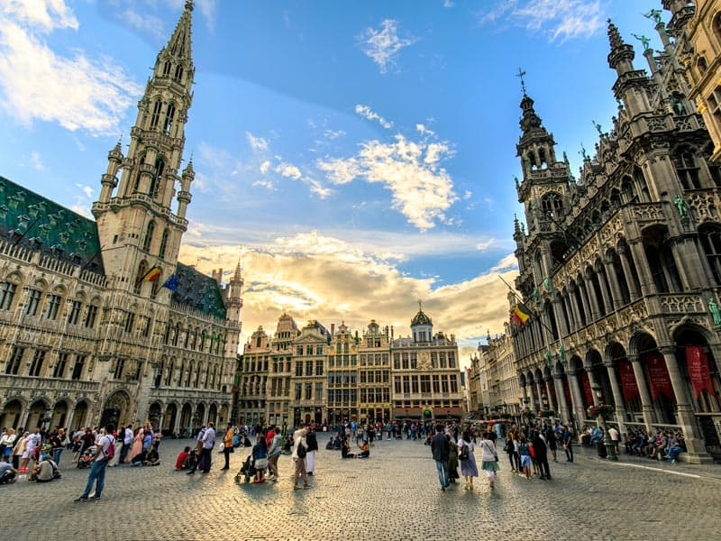 Brussels 2019 Travel Guide - Hotels, Bars, & Events