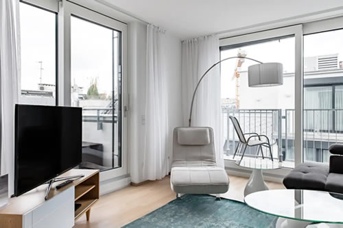 White Penthouse Apartment in Vienna
