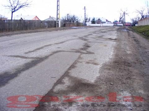 protest- drum- judetean-gropi-nicseni-roma-casa-fisuri-tinaj-rural-sate-drumuri-masini (46)