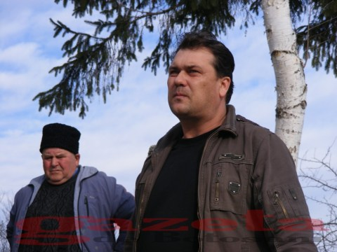 protest- drum- judetean-gropi-nicseni-roma-casa-fisuri-tinaj-rural-sate-drumuri-masini (79)