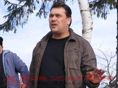 protest- drum- judetean-gropi-nicseni-roma-casa-fisuri-tinaj-rural-sate-drumuri-masini (80)