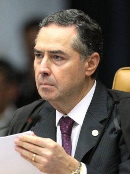 Barroso: ao pedir a inclusão de Bolsonaro no inquérito das fake news, o ministro municia o ex-capitão - Foto: Carlos Moura / STF