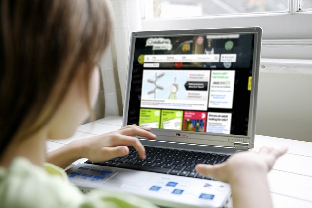 The NSPCC is to visit Bradford schools warning about internet dangers