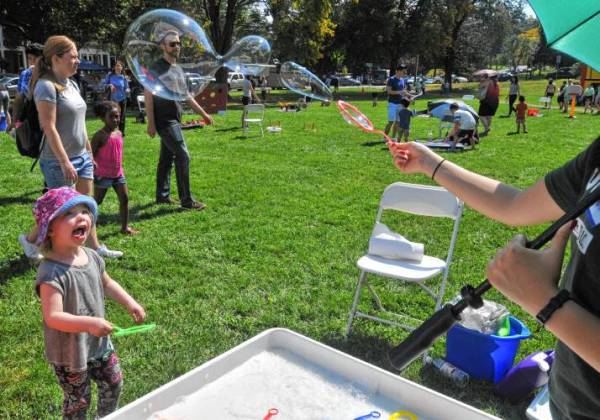 'Valley Kids' Children's Festival lights up Amherst Common