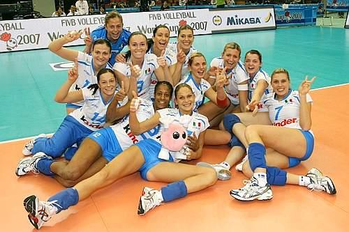 Eccole, le azzurre campionesse d'Europa e oro mondiale. Fivb