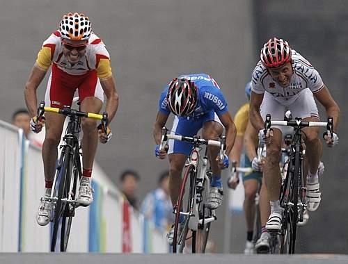 Lo sforzo di Rebellin non basta, vince lo spagnolo Sanchez (Ap)