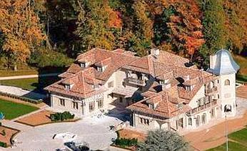 Una veduta aerea della nuova residenza di Schumacher