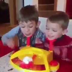 Bambini torte in faccia!