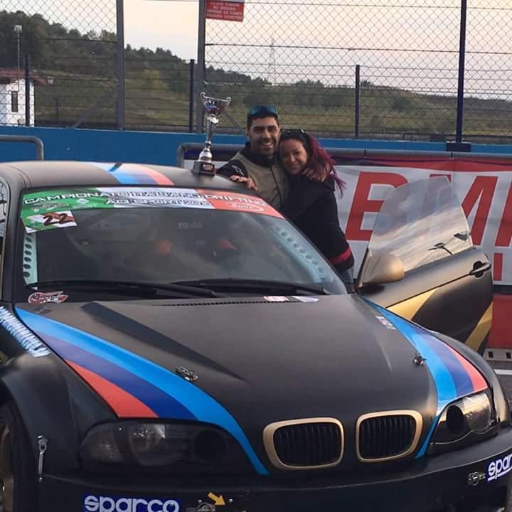 Cristian Castellani festeggia il terzo posto con la compagna