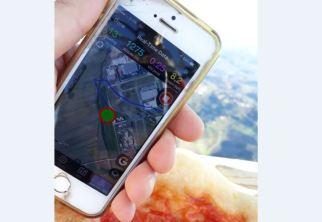 Pizza margherita in mongolfiera a 1275 metri, è record