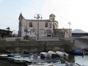 Darsena e Chiesa dell'Assunta a mare, Pozzuoli (NA)