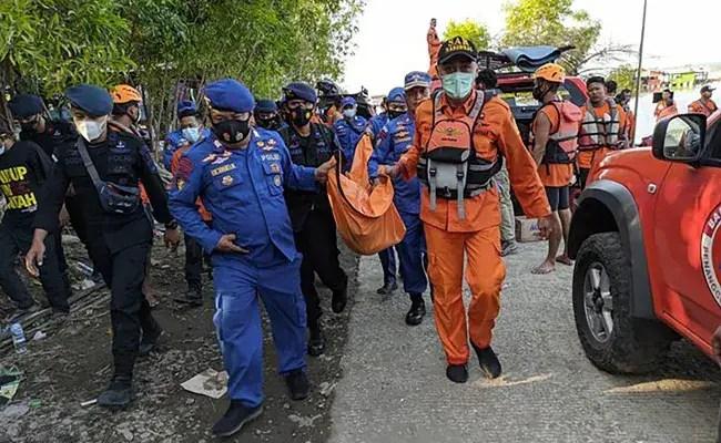 Seven Dead In Indonesia Boat Selfie Accident