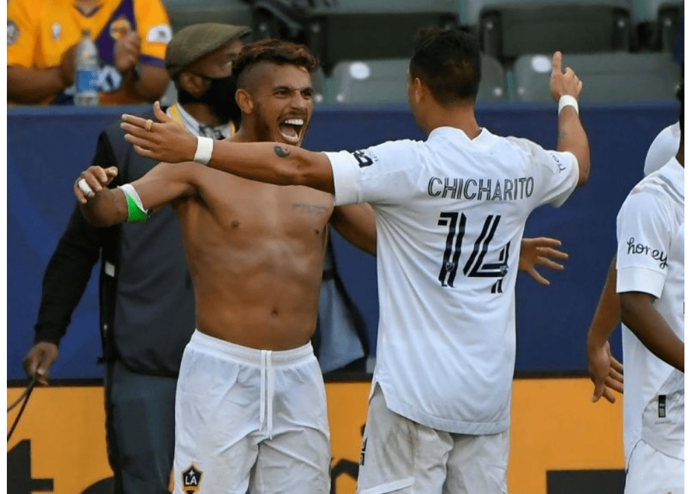Jonathan dos Santos celebrated by teammates over LA FC win