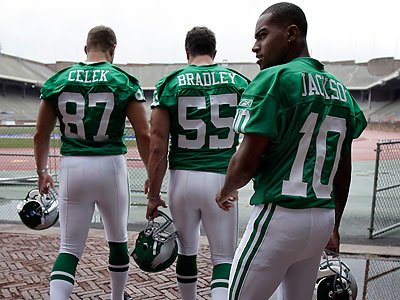 4ea890eaac7 I don't think the Eagles should go back to the kelly green uniforms ...
