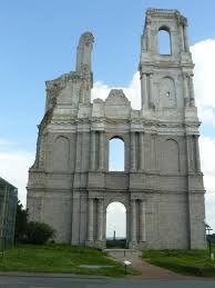Pozostałości po opactwu Mont Saint-Éloi