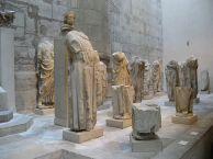fragmenty rzeźb z katedry Notre-Dame, Musée de Cluny