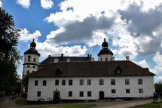Skokloster, na pierwszym planie dworek Hermana za nim pałac jego syna Carla Gustafa