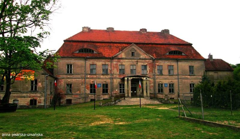 pałac od frontu