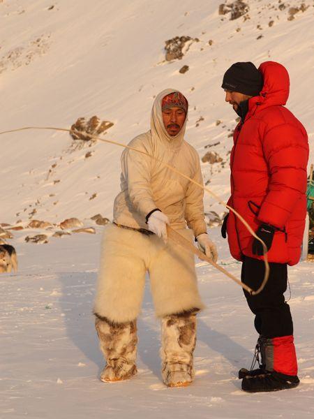 Biało-czerwony Inuita