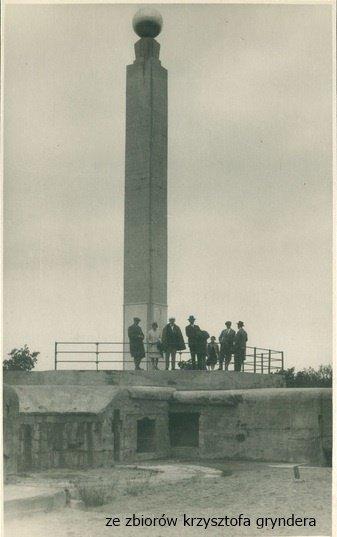 pomnik w Brzeźnie