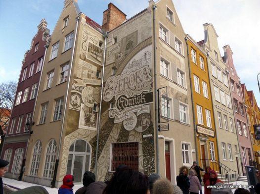 Odnowione fasady na ulicy Szerokiej