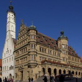 Rothenburg - ratusz, źródło: Wikipedia