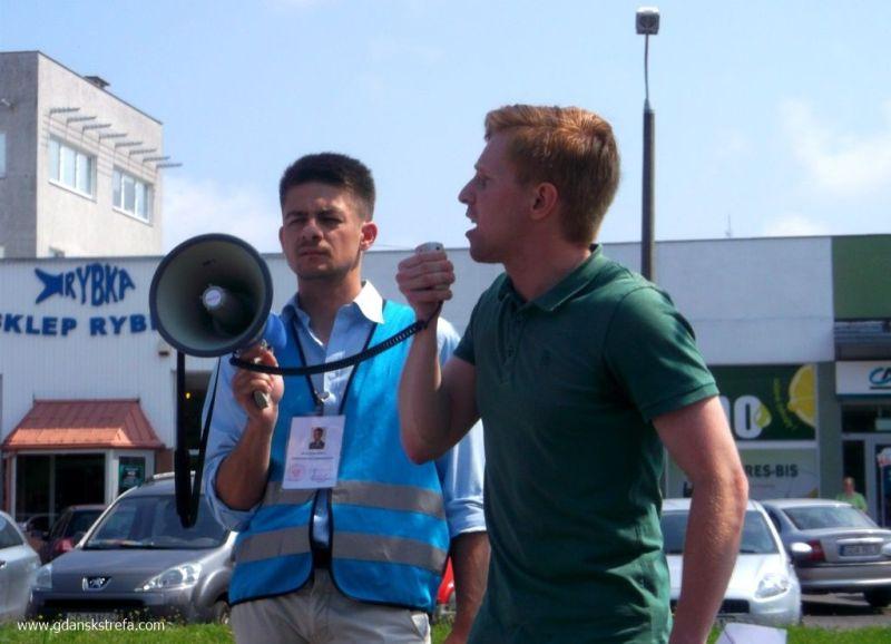protest w sprawie łamania prawa