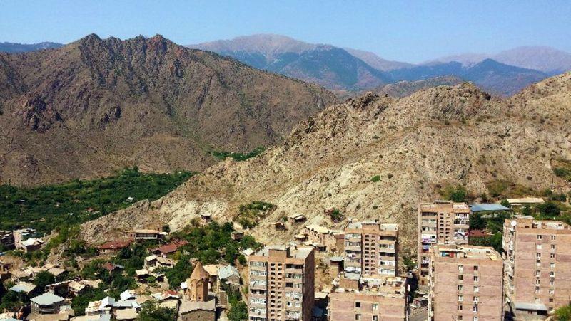 Okolice miejscowości Meghri w pobliżu granicy z Iranem