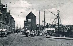 po 2 stronie mostu, widoczne tory tramwajowe