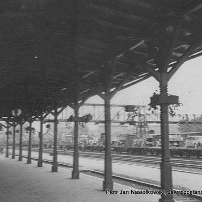 Fot.2. Przybycie niemieckiego pociągu wojskowego do Kluczborka