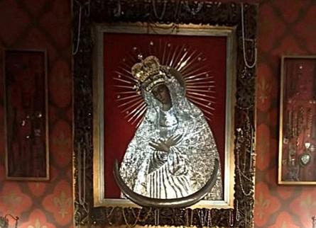 Matka Boska Ostrobramska, kościół na Czarnej, autor zdjęcia nieznany